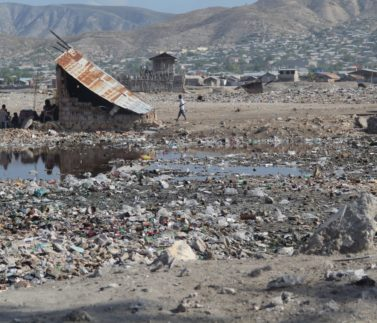 1_2007_Na Haiti míří mise. Hrozí tam válka